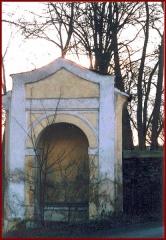 kaplička Hroby
